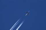 TRA AIR MIS  YT  PEH04HE046DXJET AND CONTRAILWHITEHORSE                    ../..© PHIL HOFFMAN              ALL RIGHTS RESERVEDAIRPLANES;CONTRAILS;JETS;SKY;SUMMER;TRANSPORTATION;WHITEHORSE;YT_;YUKONLONE PINE PHOTO            (306)  683-0889