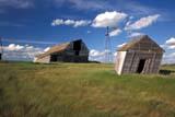 CAL FAR MIS  SK     1703201DBARN & WINDMILL IN SUMMER GRASSKERROBERT                             0713© CLARENCE W. NORRIS           ALL RIGHTS RESERVEDBARNS;BUILDINGS;CAL_FARMING;CALENDARS;FARMING;GRASS;KERROBERT;PLAINS;PRAIRIES;RURAL;SASKATCHEWAN;SCENES;SK_;STRUCTURES;SUMMER;WINDMILLSLONE PINE PHOTO                   (306) 683-0889