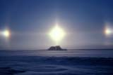 ELE SUN DOG  SK  BAE1000031DSUNDOGS IN EXTREME COLDGLENSIDE                                01© BRUCE A. ECKER                   ALL RIGHTS RESERVEDELEMENTS;GLENSIDE;PLAINS;PRAIRIES;SASKATCHEWAN;SCENES;SK_;SKY;SNOW;SUN;SUNDOGS;WINTERLONE PINE PHOTO              (306) 683-0889