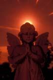 ART SCU MIS  NY  BMM1000700D  VTSTONE ANGEL AT SUNSETMOUNT HOPE CEMETERYROCHESTER                                  06© BEV MCMULLEN                          ALL RIGHTS RESERVEDANGELS;ART;CEMETERIES;MOUNT_HOPE_CEMETERY;NEW_YORK;ROCHESTER;SCULPTURES;STONE;SUMMER;SUN;SUNSETS;USA;VTLLONE PINE PHOTO              (306) 683-0889