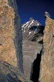 PAR NAT BAN  AB  REH1000865D  VTMOUNTAIN FRAMED BY ROCKSBANFF NATIONAL PARK            08© ROYCE HOPKINS                  ALL RIGHTS RESERVEDAB_;ALBERTA;ALPINE;BANFF_NP;CORDILLERA;MOUNTAINS;NP_;ROCKY;SCENES;SUMMER;VTLLONE PINE PHOTO                 (306) 683-0889