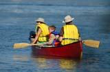 REC CAN MIS  SK  WDS05D5624DX                     FAMILY CANOEING ON SOUTH SASKATCHEWAN RIVERSASKATOON                     ....© WAYNE SHIELS               ALL RIGHTS RESERVEDACTIVITIES;CANOEING;CHILDREN;FAMILIES;LIFEJACKETS;OUTDOORS;PLAINS;PRAIRIES;RECREATION;RIVERS;SAFETY;SASKATCHEWAN;SASKATOON;SCOUTING;SK_;SOUTH_SASKATCHEWAN_RIVER;SUMMER;UNIFORMS;WATERLONE PINE PHOTO              (306) 683-0889